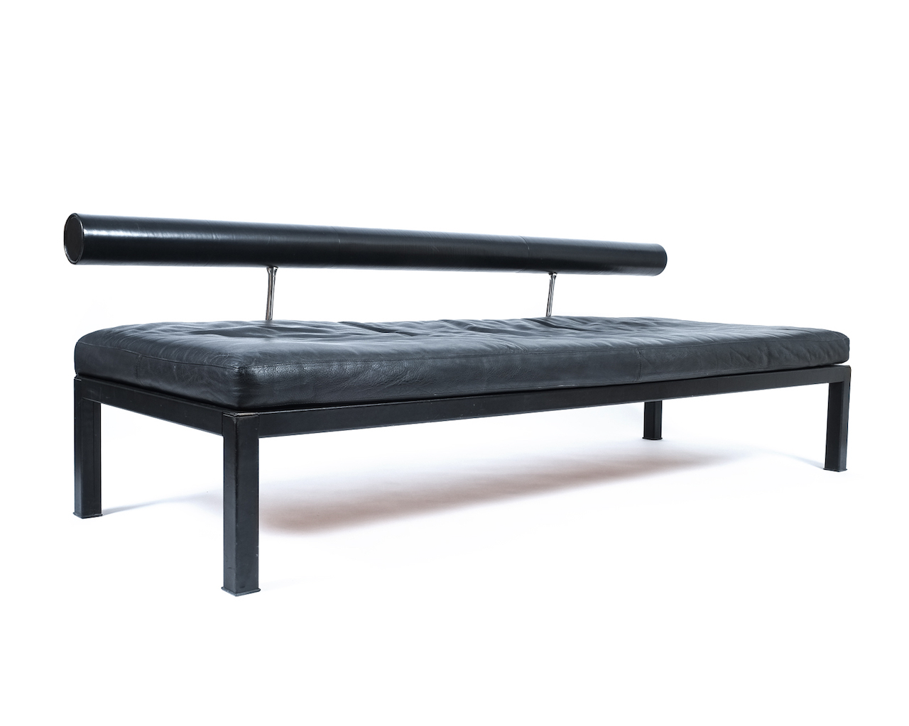 daybed daybedvel location phantom velvet home subject crop upscale bench smo k tine vintage smoke design subsampling