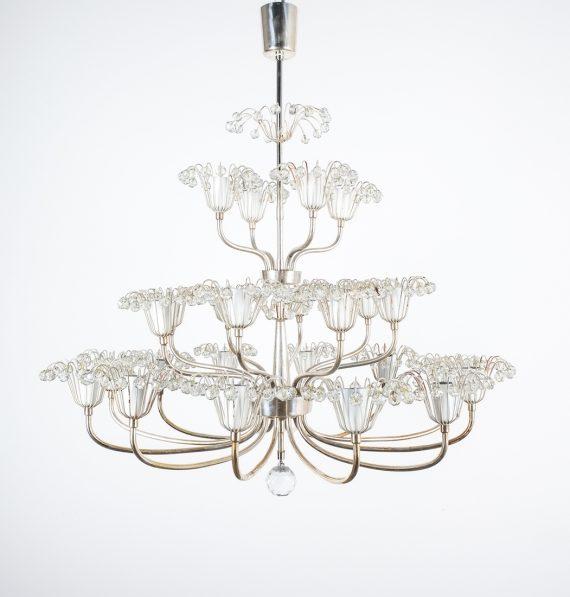 emil Stejnar wedding cake chandelier silver_03