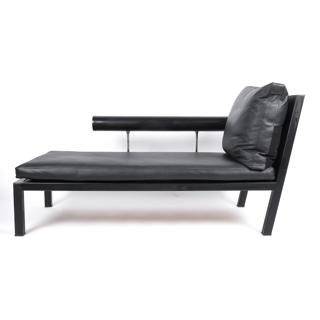 - Antonio Citterio For B&B Italy Black Leather Chaise Lounge Baisity