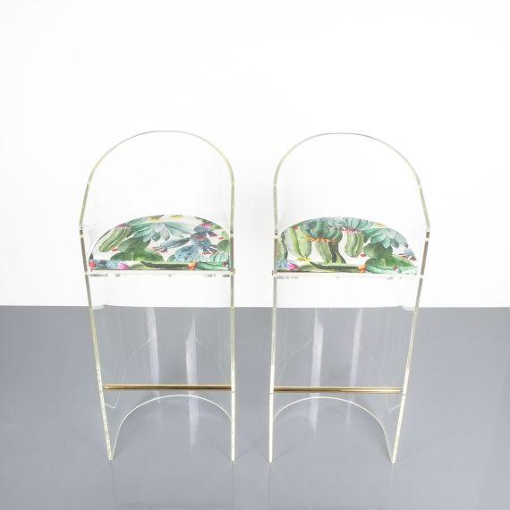pair lucite bar stools 1970 02 Kopie