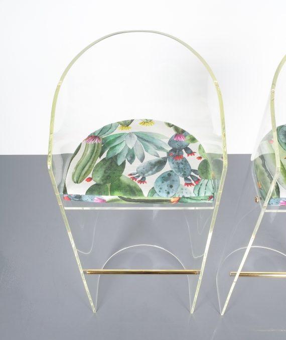 pair lucite bar stools 1970 14 Kopie
