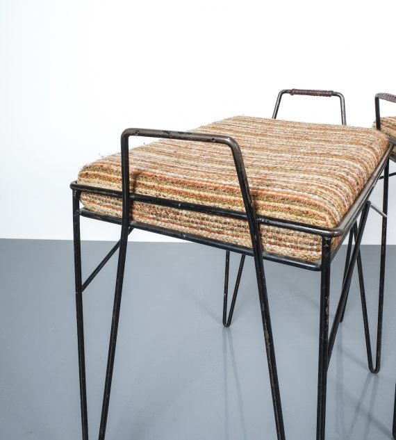 wire frame stools _03